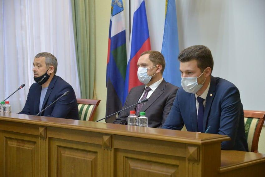 ДЕПУТАТЫ ГОРСОВЕТА ОТЧИТЫВАЮТСЯ О РАБОТЕ ЗА 2020-Й ГОД